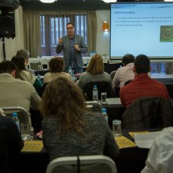 Sesión de trabajo del Grupo Vista en torno al Control de Miopía